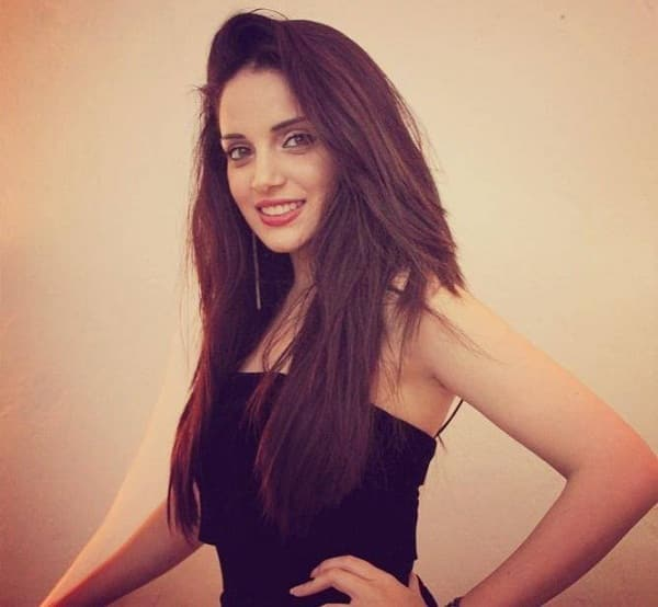 Bin Roye actress Armeena Khan: People don't realise that I actually worked in Bollywood before working in Pakistan