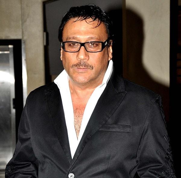 Tiger Shroff should follow Shah Rukh Khan and Akshay Kumar, says daddy Jackie Shroff