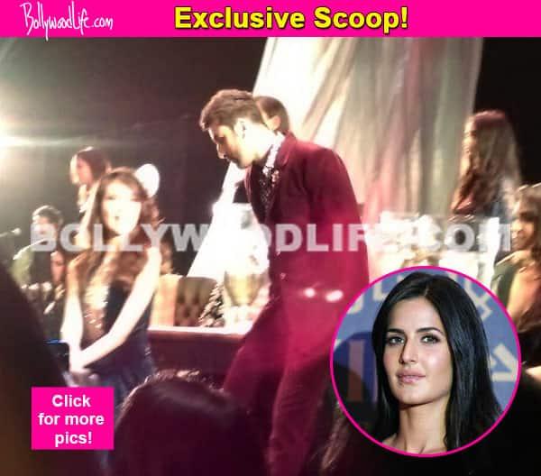 Ranbir Kapoor gets flirty with a model, should Katrina Kaif be worried? Watch video!
