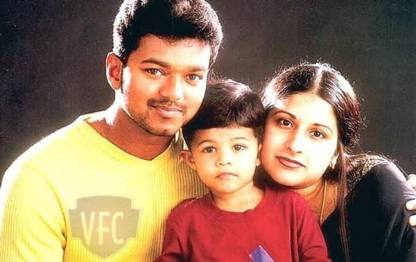 vijay-family-photo
