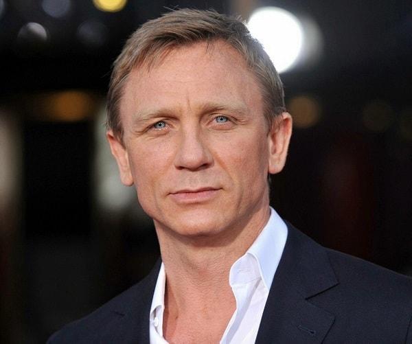50 million pounds! This is Daniel Craig's fee for the next James Bond film