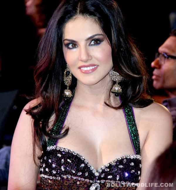 Porn Star Sunny Leone 121