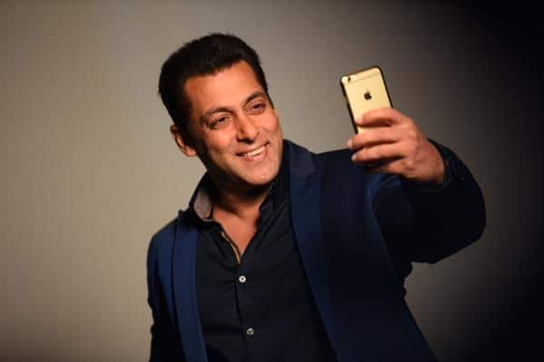 Salman confirms his 'rights' over Bigg Boss with this cute Selfie Le Le Re pic!
