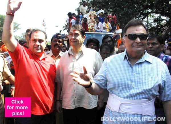 Rishi, Randhir and Rajiv Kapoor bid goodbye to Bappa! – view HQ pics