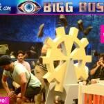 Bigg Boss 9: Prince Narula KICKS Keith Sequeira's ass - watch video!