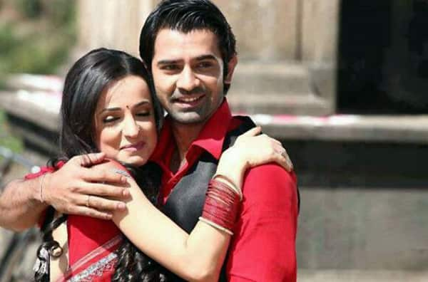 Fans Rejoice! Barun Sobti and Sanaya Irani to shoot for a special episode of Iss Pyaar Ko Kya Naam Doon