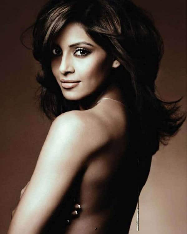 Shocking! Bipasha Basu suffers multiple burns on her face!