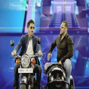 Salman Khan and Shah Rukh Khan recreate Amitabh Bachchan and Dharmendra's Jai-Veeru act!