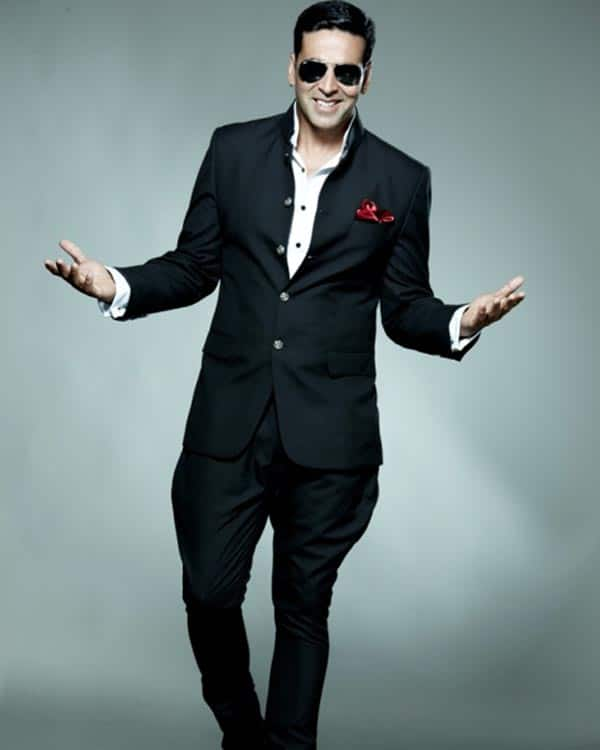 Akshay Kumar REPLACES Hrithik Roshan in Nikhil Advani's next?