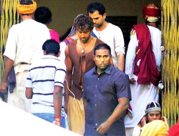 Leaked: Hrithik Roshan's DESI avatar from Mohenjo Daro!
