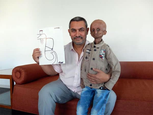 Aamir Khan meets a fan suffering from progeria