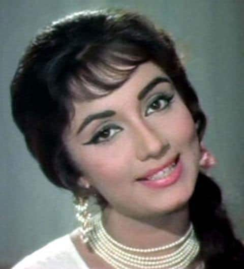 Breaking Veteran Actress Sadhana Shivdasani Passes Away At 74 Bollywoodlife Com
