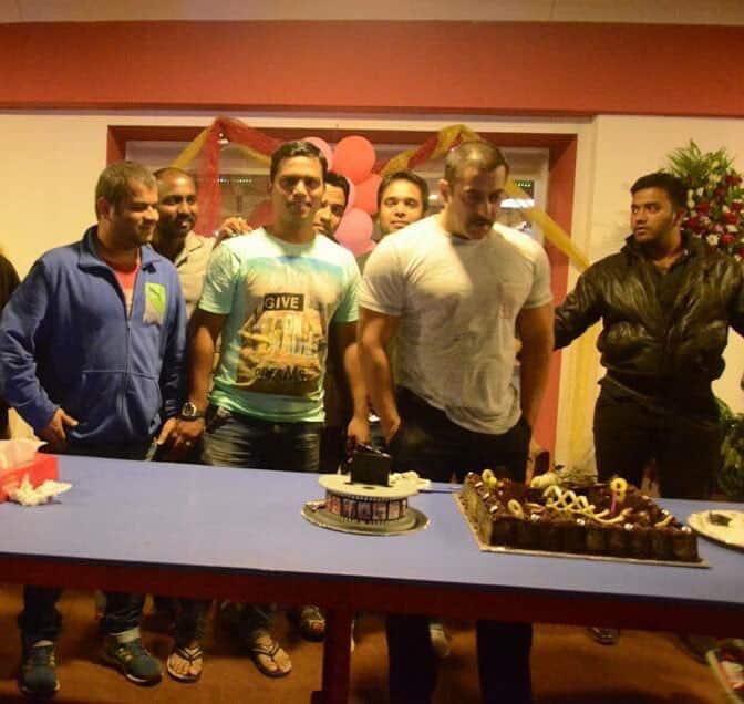 Salman Khan Celebrating His 53th Birthday Today Aaj News