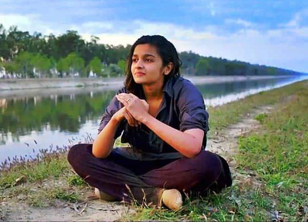 9ew468d57jzqp8gd.D.0.Alia-Bhatt-Highway-Movie-Patakha-Guddi-Song-Photo