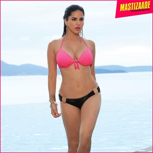 Sunny leone hot sexy bikini