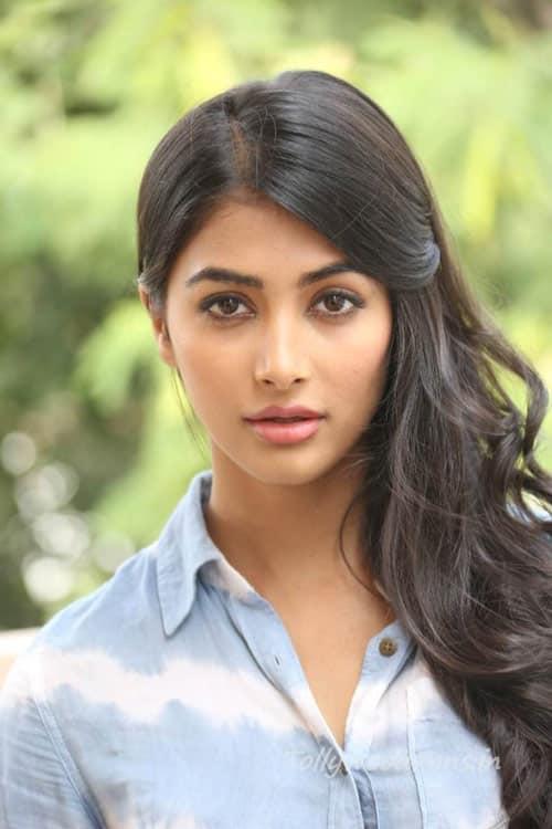 Pooja-Hegde-Photos-in-Jeans-19