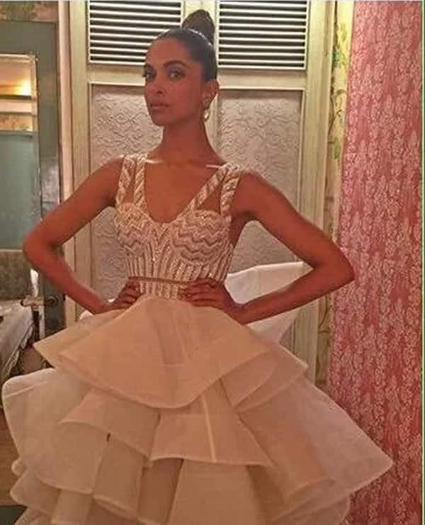 Star Screen Awards 2016: Deepika Padukone rocks a ruffled gown – view pic!