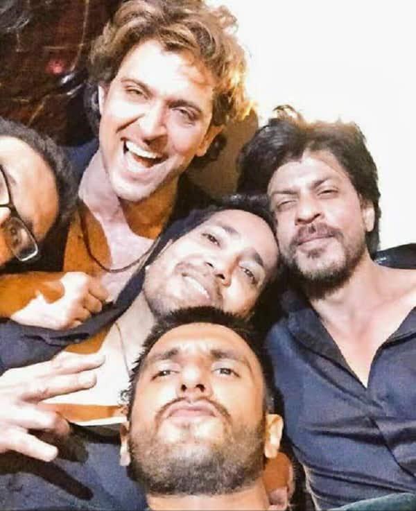 OMG! Hrithik Roshan, Shah Rukh Khan, Ranveer Singh in ONE frame –view pics!