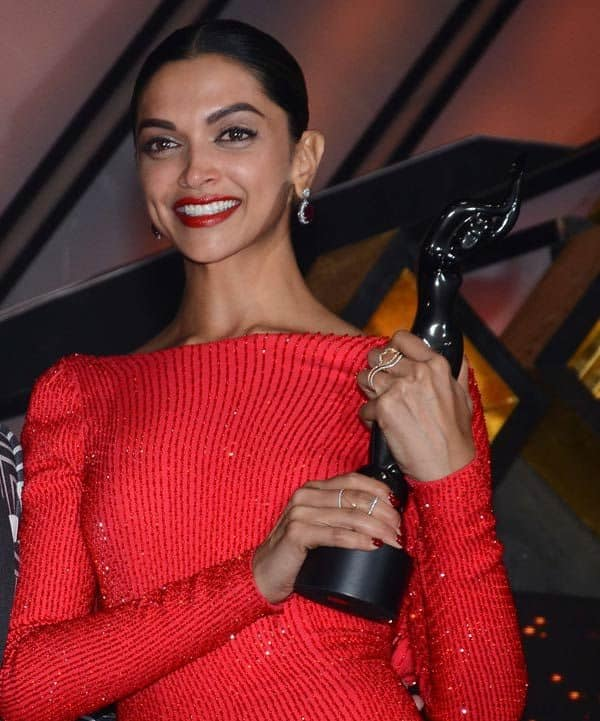 Deepika Padukone's fan did something that will leave you awestruck – find out what he did!