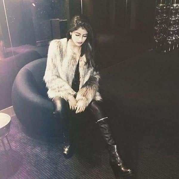 Oh Fresh! Amitabh Bachchan's grand daughter Navya Naveli Nanda teases us with her super hawt pic!