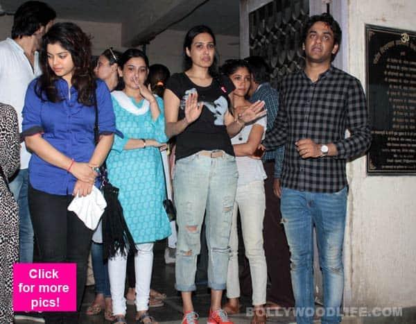 Pratyusha Banerjee suicide: Kamya Punjabi, Smita Bansal, Vikas Gupta, Ratan Rajput, Mahi Vij accompany her in the last journey
