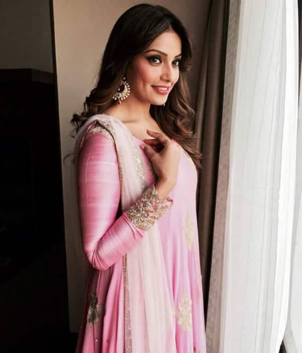 Woohoo! Bipasha Basu's Mehendi ceremony is gonna be BollywoodLife themed!