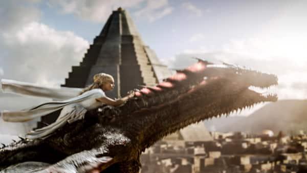 Daenerys-rides-Drogon-Official-HBO-810x4561442016