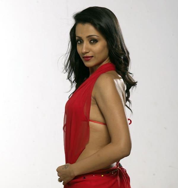 trisha-krishnan-latest-hot-photo-shoot-53-2 (1)