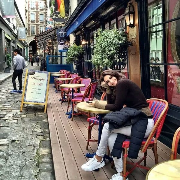 Wanderlust's bug bites Vaani Kapoor as she chills at a Parisian cafe whilst shooting for Befikre!