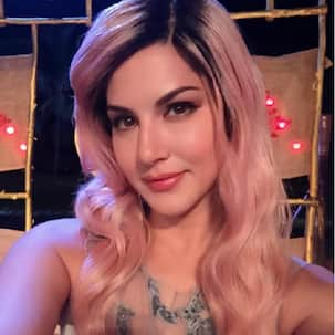 After blue, Sunny Leone dyes her hair pink!