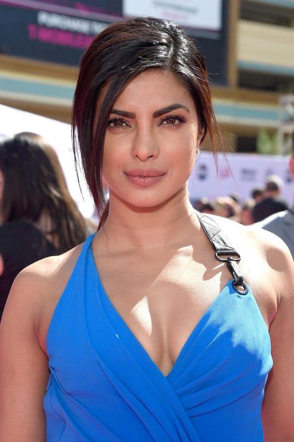 Priyanka Chopra';s no make up look at the Billboard Music Awards 2016 is stunning
