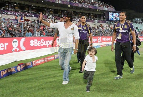 SRK, abRam at Eden Gardens
