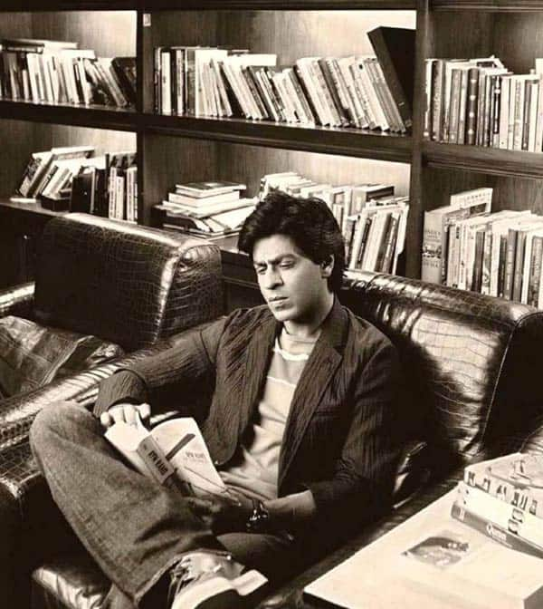 Shah Rukh Khan's latest gesture will make him all bibliophiles' favourite!