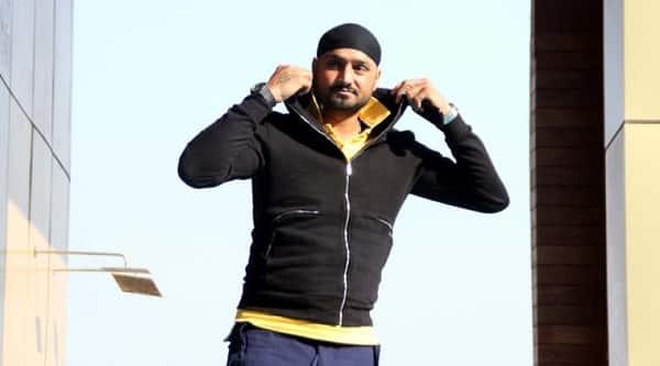 Harbhajan Singh comes in support of Udta Punjab; wants Punjab drug free!