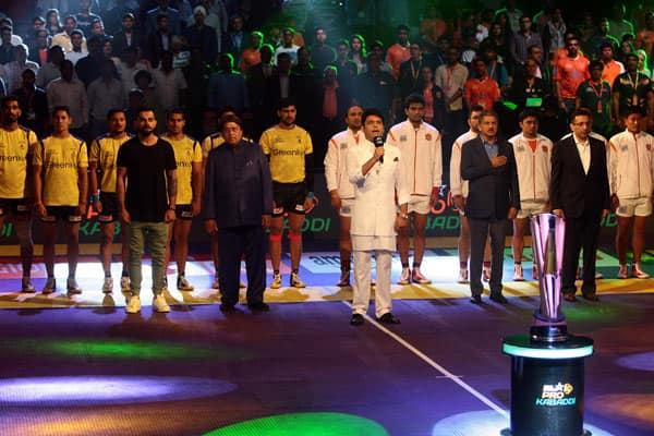 Kapil Sharma and Virat Kohli kick start the Pro Kabaddi League season 4 – view HQpics!
