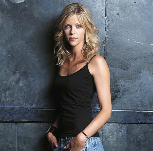 Kaitlin-Olson-In-Black-Top-N-Jeans