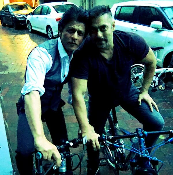 This pic of Shah Rukh Khan and Salman Khan out on a bicycle ride together is breaking the internet!
