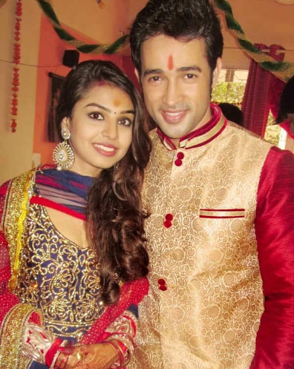 Karan-Sharma-&-Tiaara-Kar's-engagement-pic-(Image-courtesy-K-Himaanshu-Shuklaa)-(2)
