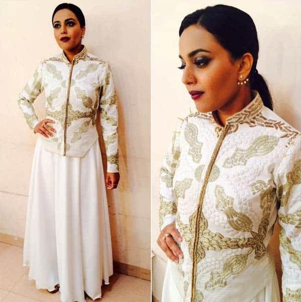 Swara-Bhaskar-at-an-event-looking-goth-bad