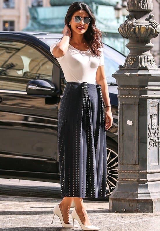 Priyanka-Chopra-Quantico-Street-Style-Fashion-Paris-GOTS-Dion-Lee-Tom-Lorenzo-Site-3