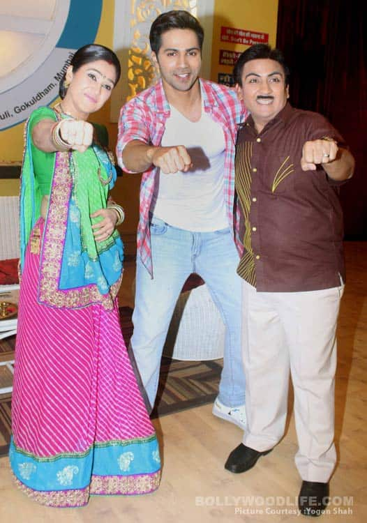 Varun Dhawan Dishoom-es the team of Tarak Mehta Ka Ooltah Chashmah – View HQ Pics!