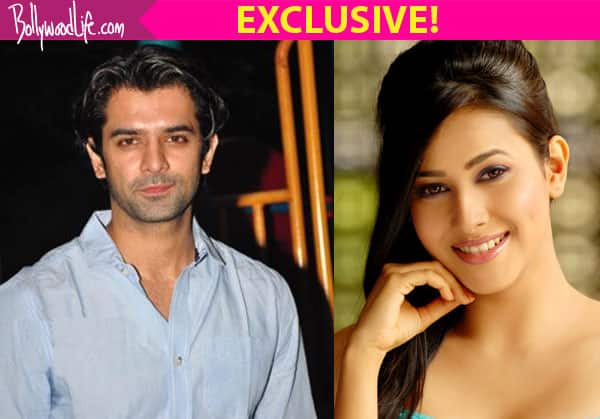Barun Sobti is in Kolkata with Panchi Bora – Find out why!