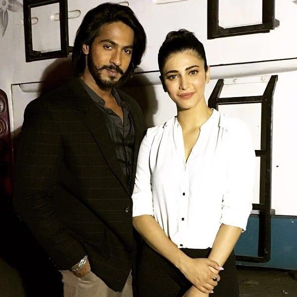 Singham 3 baddie Thakur Anoop Singh is gushing a lot about Shruti Haasan!