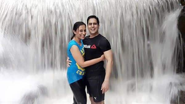 Aman Verma and Vandana Lalwani enjoy a rainy break – view pics!
