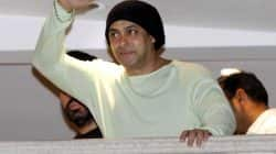 Salman Khan wants to play a game on Twitter and fans are going berserk!
