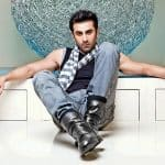 Single Ranbir Kapoor HUGGING this beauty will make women turn green with envy!