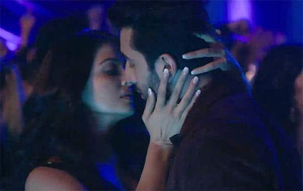 Ranbir-Aishwarya Rai-hot (2)