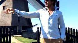 Shah Rukh Khan does Chaiyya Chaiyya on the sets of his next The Ring – watch video!