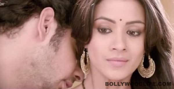 Leaked: Hottest love making scene on TV of Barkha Bisht and