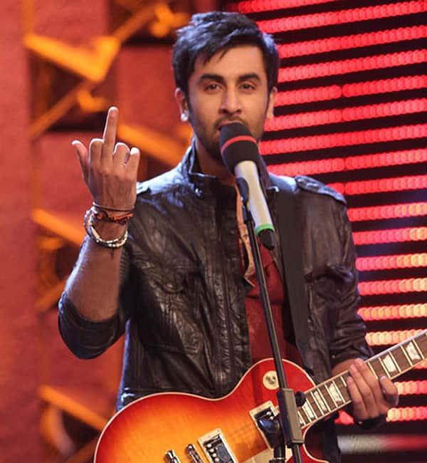 ranbir-middle-finger-4